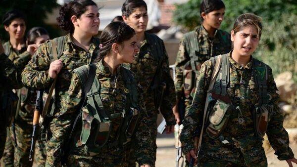 Rojava'da YPJ üyesi kadın gerillalar - Sputnik Türkiye