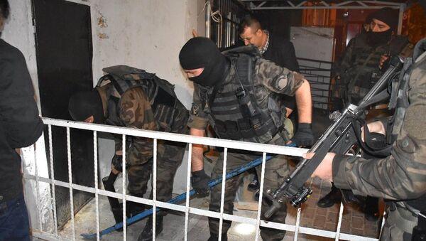 Şişli Kuştepe'de uyuşturucu operasyonu - Sputnik Türkiye