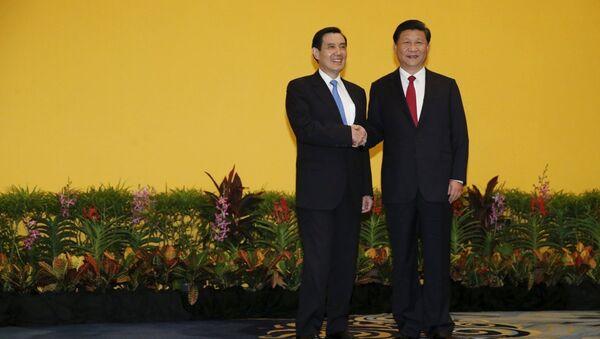 Çin Devlet Başkanı Şi Cinping ile Tayvan lideri Ma Ying-jeou bugün Singapur'da bir araya geldi. - Sputnik Türkiye