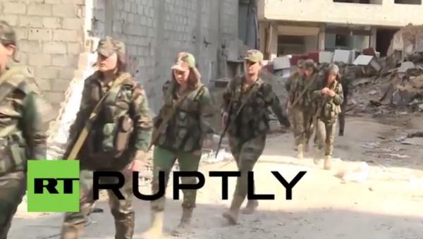 Suriye ordusunun kadın tugayı, Deraya'da teröristlerle savaşıyor - Sputnik Türkiye