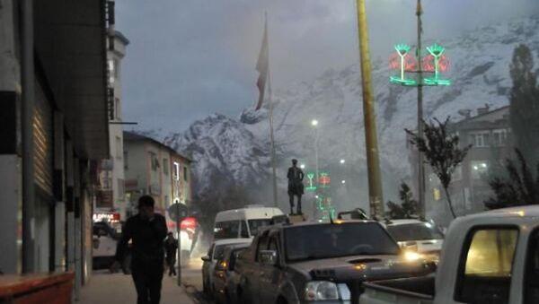 Hakkari'de çıkar olaylarda iki HDP'li milletvekili yaralandı. - Sputnik Türkiye