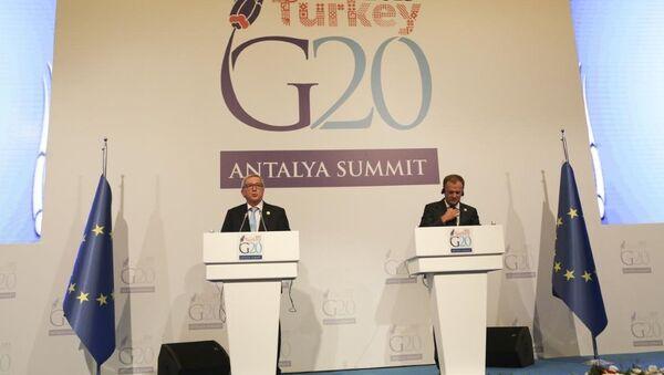 Avrupa Konseyi Başkanı Donald Tusk - AB Komisyonu Başkanı Jean Claude Juncker - Sputnik Türkiye