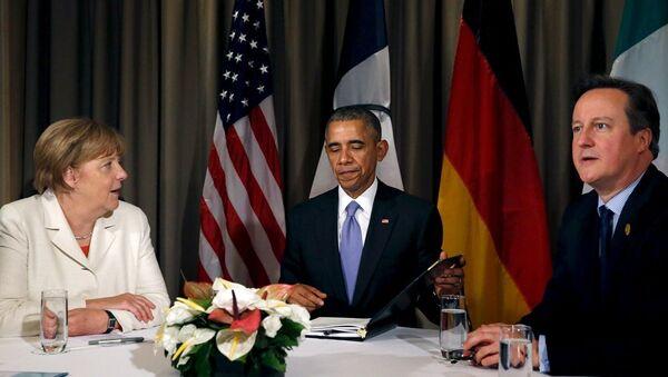 Barack Obama - Angela Merkel - David Cameron - Sputnik Türkiye