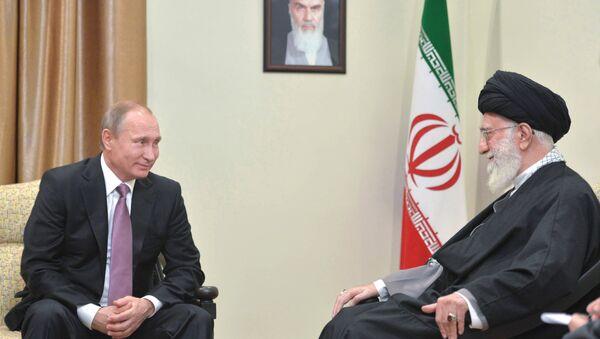 Rusya Devlet Başkanı Vladimir Putin - İran'ın dini lideri Ayetullah Ali Hamaney   - Sputnik Türkiye