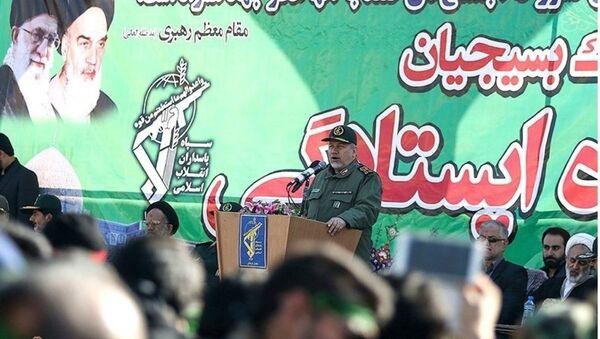 İran'ın dini lideri Ayetullah Ali Hamaney'in yüksek askeri danışmanı Tümgeneral Yahya Rahim Safevi - Sputnik Türkiye