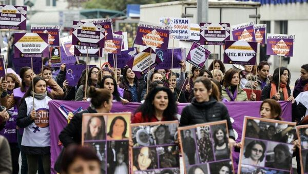 25 Kasım Kadına Yönelik Şiddete Karşı Uluslararası Mücadele Günü - Sputnik Türkiye