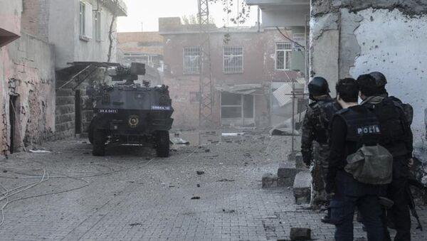 Diyarbakır'da çatışma: 1 PKK'lı öldü - Sputnik Türkiye