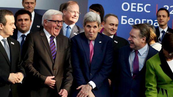 Sırbistan Dışişleri Bakanı İvica Dacic- Frank-Walter Steinmeier - John Kerry - AGİT Parlamenter Asamblesi Başkanı Ilkka Kanerva - Sputnik Türkiye