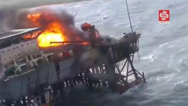 Hazar Denizi'ndeki petrol platformunda patlama - Sputnik Türkiye