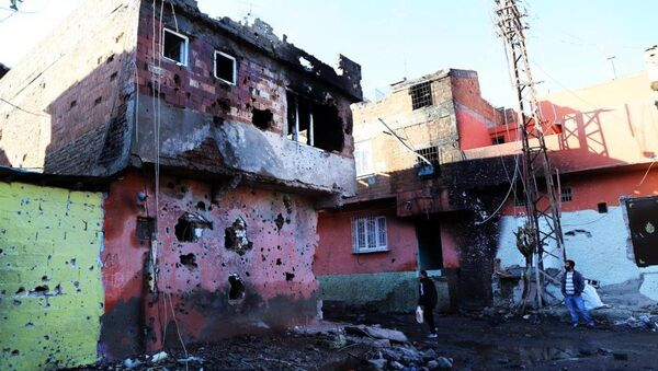 Güneydoğu'da güvenlik güçleri ile PKK arasında çatışma şehirlere taşındı. - Sputnik Türkiye
