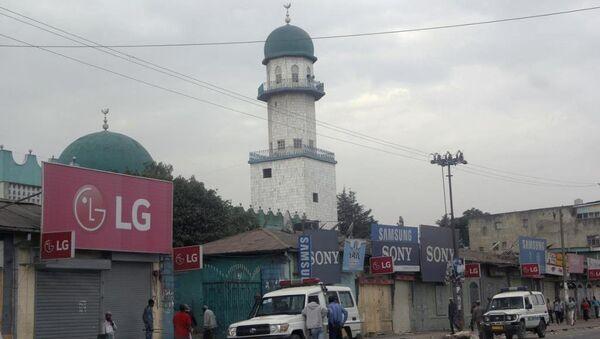 Etiyopya'nın başkenti Addis Ababa'daki en büyük ve en eski camilerden biri olan Büyük Enver Camii'nde patlama meydana geldi. - Sputnik Türkiye