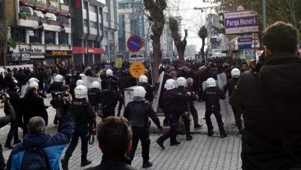 Van'daki HDP eylemine polis müdahalesi - Sputnik Türkiye