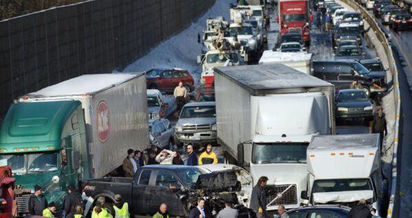 Meksika'da inanılmaz kaza: 80 araç birbirine girdi - Sputnik Türkiye