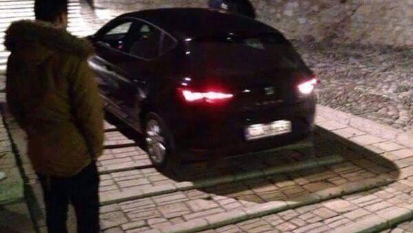 Mostar Köprüsü'nü otomobille geçmek isteyen Türk turist - Sputnik Türkiye