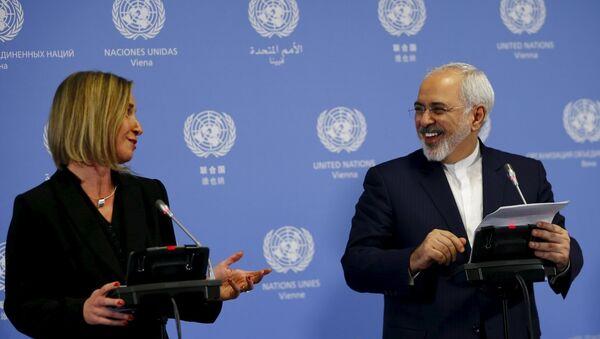 İran Dışişleri Bakanı Zarif, AB Dış İlişkiler Yüksek Komiseri Mogherini - Sputnik Türkiye