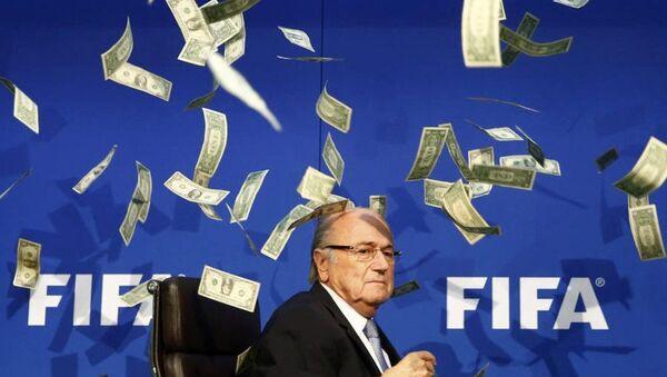 Blatter'a dolarlı protesto - Sputnik Türkiye