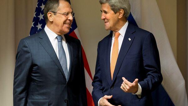 Rusya Dışişleri Bakanı Sergey Lavrov ve ABD Dışişleri Bakanı John Kerry - Sputnik Türkiye
