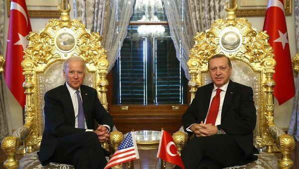 Cumhurbaşkanı Recep Tayyip Erdoğan ve ABD Başkan Yardımcısı Joe Biden  - Sputnik Türkiye