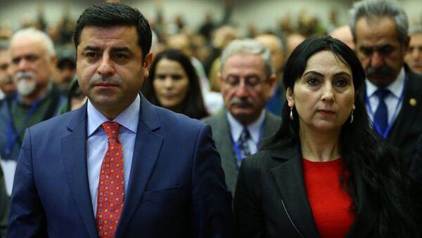 HDP Eş Genel Başkanları Selahattin Demirtaş ile Figen Yüksekdağ - Sputnik Türkiye