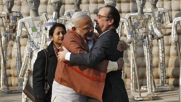 Hindistan Başbakanı Narendra Modi- Fransa Cumhurbaşkanı François Hollande - Sputnik Türkiye