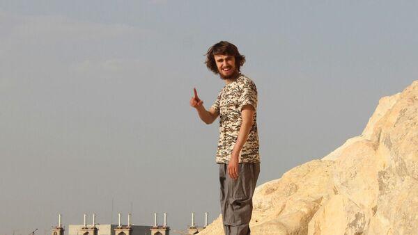 'Cihatçı John'un IŞİD'e katılan ilk 'beyaz' İngiliz erkek olduğu iddia edildi. - Sputnik Türkiye