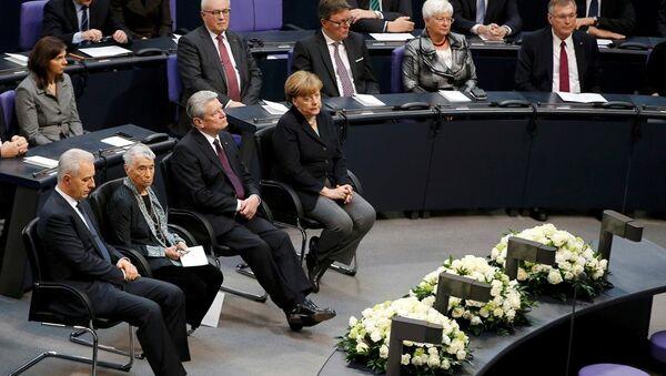 Almanya Cumhurbaşkanı Joachim Gauck- Başbakan Angela Merkel - Sputnik Türkiye