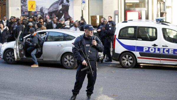 Paris'teki 5 okul terör tehdidi nedeniyle boşaltıldı. - Sputnik Türkiye
