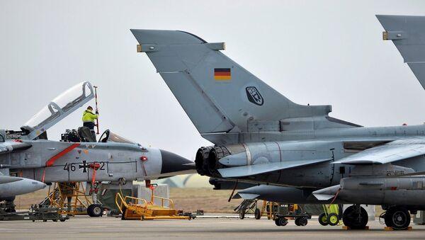 İncirlik'teki Tornado tipi uçaklar - Sputnik Türkiye