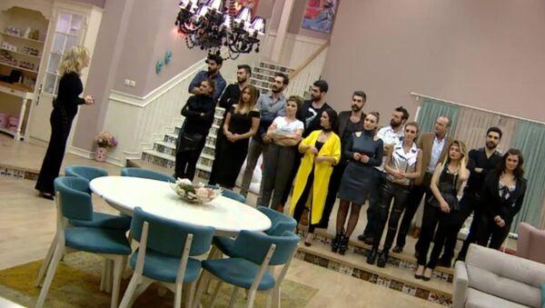 Televizyonda yayınlanan bir evlilik programı - Sputnik Türkiye
