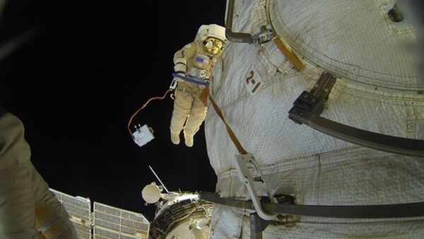 Rus kozmonottan uzay boşluğunda selfie - Sputnik Türkiye