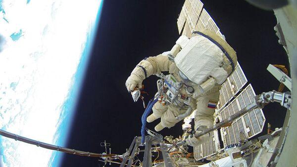 Uzayda restorasyon çalışmaları - Sputnik Türkiye