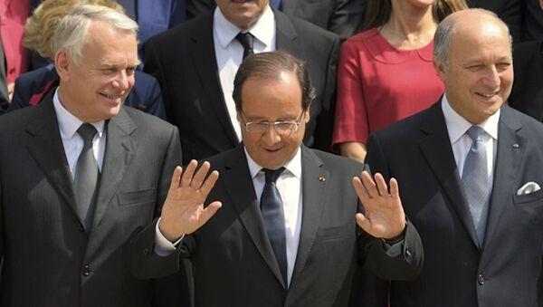 Jean-Marc Ayrault - François Hollande - Laurent Fabius - Sputnik Türkiye
