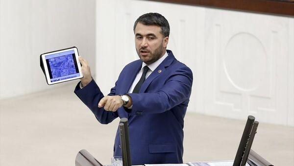 AK Parti Adana Milletvekili Mehmet Şükrü Erdinç, TBMM Genel Kurul çalışmalarına katılarak konuşma yaptı. - Sputnik Türkiye