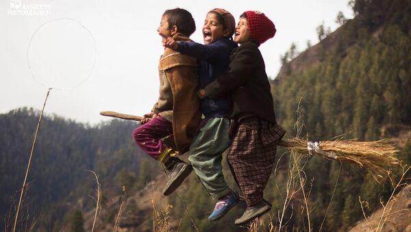 Hintli çocuklar Quidditch oynadı - Sputnik Türkiye