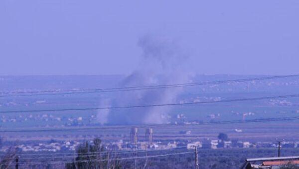 IŞİD, Türkiye sınırında Fetih Ordusu'yla çatışıyor. - Sputnik Türkiye