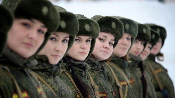 Rus kadın askerleri - Sputnik Türkiye