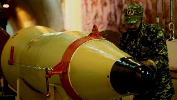 İran - Devrim Muhafızları Askeri -Füze - Sputnik Türkiye