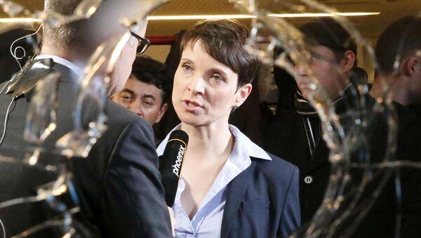 Almanya İçin Alternatif (AfD) Partisi Başkanı Frauke Petry - Sputnik Türkiye