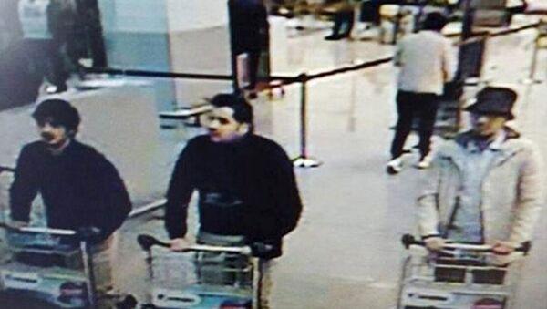 Brüksel'deki havalimanında dünkü saldırıları düzenleyenlerin El Bakraoui kardeşler olduğu tespit edildi. - Sputnik Türkiye