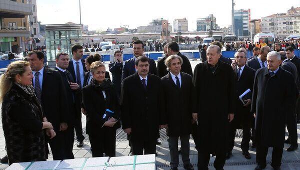 Cumhurbaşkanı Recep Tayyip Erdoğan, Taksim Meydanı'nda - Sputnik Türkiye