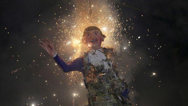 Meksika'da Trump kuklaları yakıldı - Sputnik Türkiye