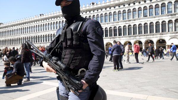 İtalya polisi - Sputnik Türkiye