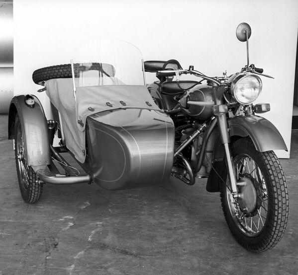 Ural-3 M66 motosikleti - Sputnik Türkiye