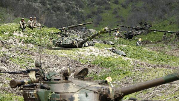 Karabağ'da çatışmalar - Sputnik Türkiye
