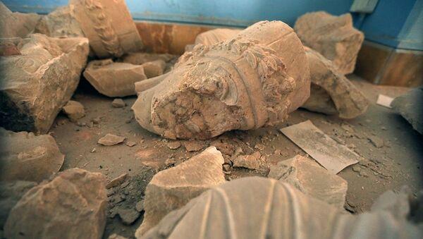 Palmira'da tahrip edilen tarihi eserler - Sputnik Türkiye