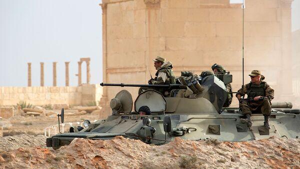 Rus uzmanlar Palmira'yı mayınlardan temizliyor - Sputnik Türkiye