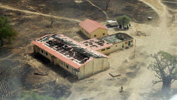 Boko Haram'ın 14 Nisan 2014'te 276 kız öğrenciyi kaçırdığı Çibok kasabasındaki okul - Sputnik Türkiye