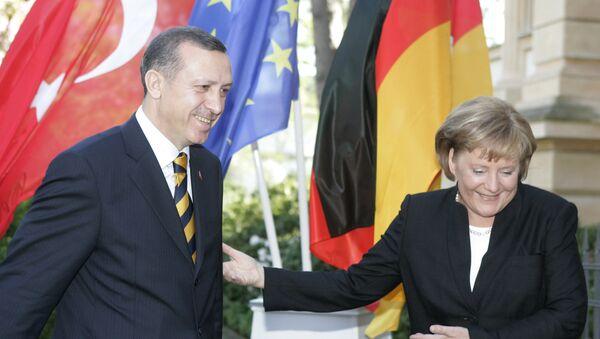 German Chancellor Angela Merkel meets with Turkish President Tayyip Erdogan. - Sputnik Türkiye