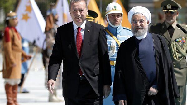 Türkiye Cumhurbaşkanı Recep Tayyip Erdoğan- İran Cumhurbaşkanı Hasan Ruhani - Sputnik Türkiye