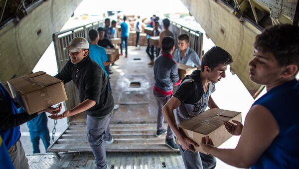 Rusya -  Lazkiye'de insani yardım - Sputnik Türkiye